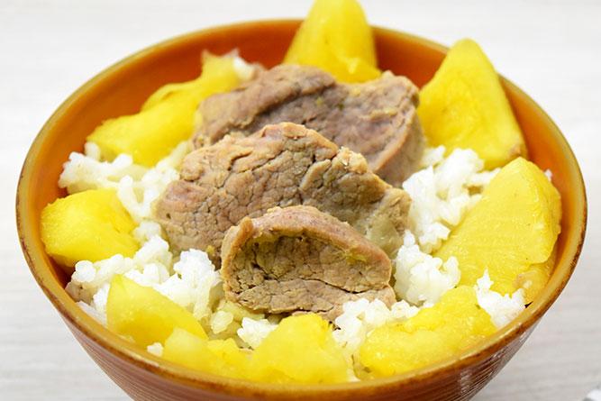 Filet mignon de porc à l'ananas et riz blanc sans gluten