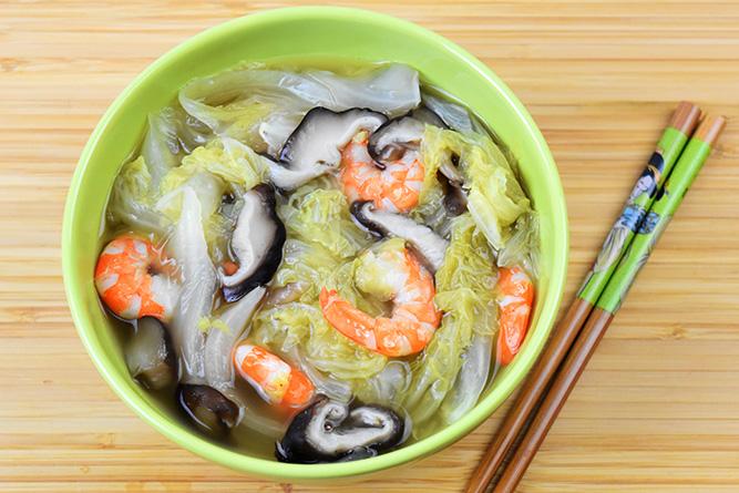 Soupe chou chinois et crevettes sans gluten
