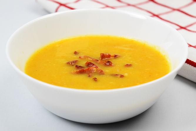 Soupe de poireaux, courgettes, carottes et lardons sans gluten